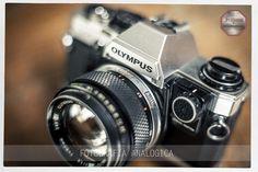 Equipos analógicos para clases prácticas de fotografía. 35mm. Lente normal 50 mm f:1,4 muy luminoso. Olympus OM10 un hermoso equipo analógico
