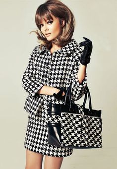 A stunning editorial featuring only black & white … and of course I love the retro theme :) olga maliouk photographed by joshua jordon & styled by kathrin seidel for elle germany xx debra via jedroot Tweed, High Fashion, Winter Fashion, Fashion Women, Mode Chanel, Mode Editorials, Vintage Mode, Houndstooth, Nice Dresses