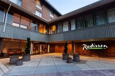 Radisson Hotel Cross Keys Baltimore (5100 Falls Road) Located over 72 acres, Radisson Hotel Cross Keys Baltimore offers complimentary shuttle service to the National Aquarium. Free Wi-Fi access is available.  A cable TV and air conditioning are included in each room. There is also a coffee machine. #bestworldhotels #hotel #hotels #travel #us #maryland
