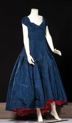 ~Evening Gown, Pierre Balmain Haute couture, circa 1950/1955~