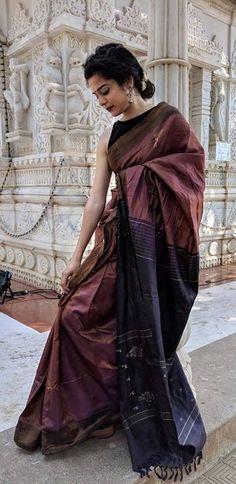 Dress Indian Style, Indian Outfits, Saree Accessories, Saree Poses, Formal Saree, Saree Blouse Neck Designs, Saree Photoshoot, Sari Dress, Kurti Designs Party Wear