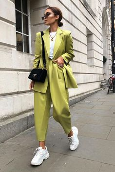 Monochromatic fashion style will only make your appearance look character and attract attention. In fashion, the monochromatic fashion application is when… 2020 Fashion Trends, Fashion Mode, Suit Fashion, Fashion Looks, Womens Fashion, Asos Fashion, Fashion Killa, Style Fashion, Glamouröse Outfits