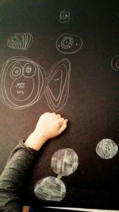 Pesci spaziali e sfere alla Klee