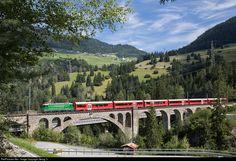 621 RhB - Rhätische Bahn Ge 4/4 II at Tiefencastel, Switzerland by Georg Trüb