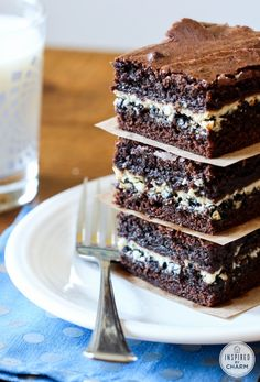 Delicious brownie recipes with a surprise layer of cookies and cream chocolate. The ultimate brownie recipe.