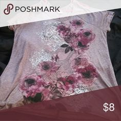 Flower shirt Only worn it once Tops