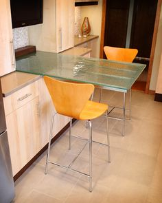 """Cast glass countertop by Studio L. Glassworks. Thickness: 3/4"""". Texture: Fizee. Glass type: Clear"""