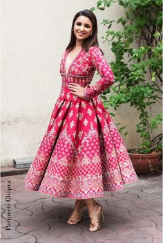 The latest collection of Indian wear by the tops designers shall turn heads towards you at weddings. Discover the celebrity-approved amazing designs of classic Anarkali suits here. Red Wedding Dresses, Indian Wedding Outfits, Indian Outfits, Bridal Dresses, Wedding Flowers, Flapper Dresses, Indian Gowns, Indian Attire, Indian Wear