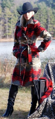 Tasha Polizzi Blanket Trench - the answer to cold days and fashionable nights! Mode Country, Country Girl Style, Country Fashion, Country Girls, Style Cowgirl, Cowgirl Chic, Western Chic, Cowgirl Fashion, Cowgirl Bling