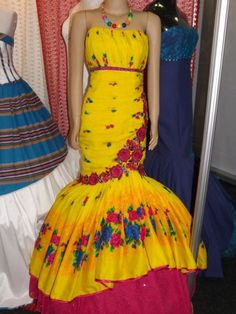 Ball Gown Wedding Dress Definition - Ball Gown Wedding Dress Definition Channel your close princess. African Fashion Designers, African Inspired Fashion, African Fashion Dresses, African Dress, African Wear, African Style, Pedi Traditional Attire, Traditional Wedding Attire, Traditional Fashion
