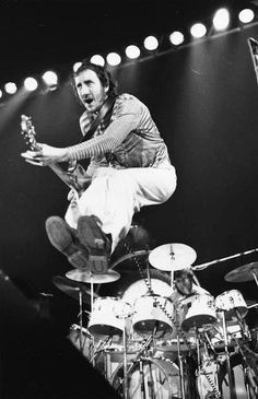 "The Greatest Rock Anthems! Who's The Beatles? Let the ""Rock-Off"" Begin! Rock Chic, Glam Rock, Hard Rock, Rock And Roll, Rock Anthems, Pete Townshend, Live Rock, Stevie Wonder, Rock Legends"