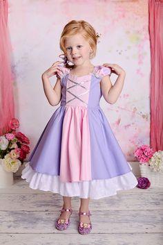 Magnifique robe de Princesse Raiponce Tangled costume par SoSoHippo