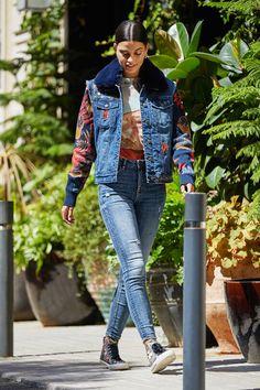 Trucker-Jacke aus zwei Stoffen mit ausfaltbarem Kragen | Desigual Blazer Jeans, Manga Floral, Dame, Hipster, Denim, Style, Fashion, Underwear, Jackets