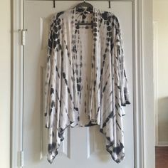 Black/white tie dye kimono Long sleeved- fits a size small or medium! Jackets & Coats Capes
