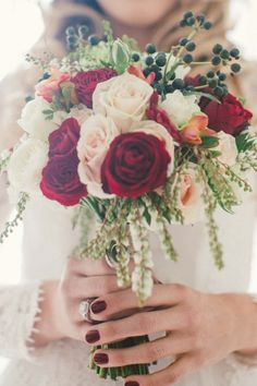 David Austins, Garden roses, black berries / Fady & Samantha: Dark Romance