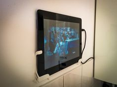 Awesome Idea Picture Frame For The Ipad That Doubles As A