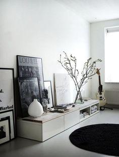 gestellte Bilderrahmen bilderpraesentation Ikea Cabinets with wooden top by Vosg… – Media Room İdeas 2020 Decoration Inspiration, Interior Inspiration, Room Inspiration, Decor Ideas, Home Living Room, Living Spaces, Small Living, Muebles Living, Ikea Cabinets