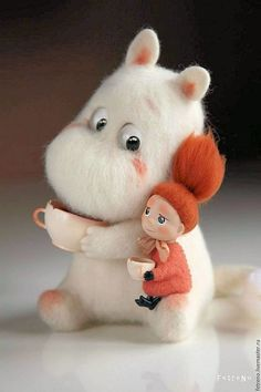 Stuffed Animals Crafts Felted Moomin Incredible stuffed animal by russian artist Needle Felted Animals, Felt Animals, Baby Animals, Cute Animals, Crochet Animals, Wet Felting, Needle Felting, Wonder Zoo, Tove Jansson
