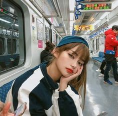 Image about girl in ulzzang by m on We Heart It Pretty Korean Girls, Cute Korean Girl, Pretty Asian, Beautiful Asian Girls, Korean Fashion Trends, Korean Street Fashion, Korea Fashion, Korean Aesthetic, Aesthetic Girl