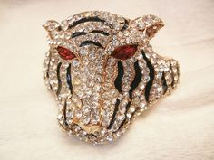 Outstanding large Rhinestone Red eyes side clamper Tiger Bracelet Show Stopper