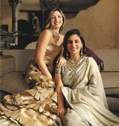 Neetu Singh with daughter Ridhima Sahni Mother Daughter Pictures, Mom Daughter, Bollywood Images, Bollywood Fashion, Indian Wedding Outfits, Indian Outfits, Pakistani Dress Design, Indian Attire, Indian Celebrities