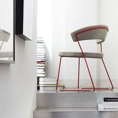 Evolution New York Chair with Painted Sled Base by Calligaris http://www.nuastyle.com/dining-chairs/509-evolution-new-york-chair-sled-base-by-calligaris-.html