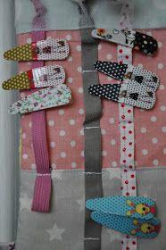 Jeden z mnoha šitých dárků pro děti. Sponkovník se spoustou našitých šňůrek a tkaniček pro nacvakaní sponek, s našitými poutky na provlečen... Accessories
