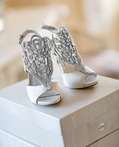 Vince Camuto bridal shoes | photo: Karlisch Photography