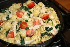Pasta with boursin, spinach and chicken - Kitchen ♥ Love - Again a tasty and easy to make pasta dish: gnocchi pasta with creamy boursin sauce, chicken fillet, - Vegetarian Recepies, Healthy Recipes, Yummy Recipes, Easy Diner, Pasta Recipes, Dinner Recipes, Best Pasta Salad, How To Cook Pasta, Pasta Dishes