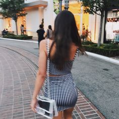 Shopping in LA! trying to find cute clothes my pic! Instagram: hannah_meloche Pinterest: hannahmeloche