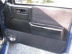 Door w/custom speaker S10 Truck, Truck Mods, Pickup Trucks, Chevy S10, C10 Chevy Truck, Chevrolet Silverado, Truck Interior, Interior Ideas, Custom Silverado