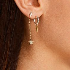 Starburst ear cuff no piercing, conch helix piercing cartilage earrings - Custom Jewelry Ideas Double Ear Piercings, Cute Ear Piercings, Ear Jewelry, Cute Jewelry, Jewellery, Gold Hoop Earrings, Dangle Earrings, Dainty Earrings, Crystal Earrings