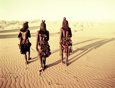 Namibia Tribes by Jimmy Nelson Before they Pass Away Himba The World's Most Fascinating Indigenous Tribes Tribes Of The World, People Around The World, Himba People, Jimmy Nelson, Exposition Photo, Indigenous Tribes, World Pictures, Passed Away, Dc Comics
