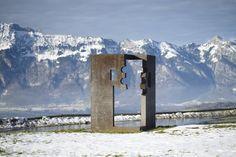 la puerta de la libertad Eduardo Chillida