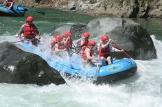 Whitewater rafting in the Caribbean: Pacuare River in Costa Rica. We recommend using Green Frog Rafting.