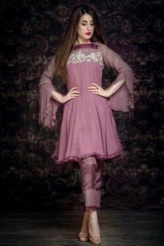 Best 12 – Petal Pink Casual Wear Pakistani Dress in Chiffon – SkillOfKing. Pakistani Formal Dresses, Indian Gowns Dresses, Pakistani Dress Design, Pakistani Outfits, Pakistani Gowns, Dresses Dresses, Indian Outfits, Dresses Online, Stylish Dresses For Girls