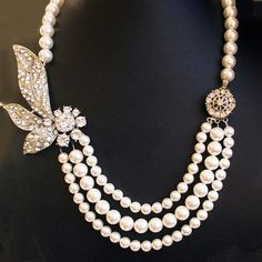 Rhinestone & Pearl Necklace...