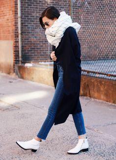 Street Style: 10 τρόποι να φορέσεις το oversized φουλάρι