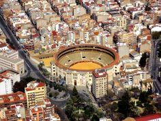 Plaza de toros de Alicante. Hoy se estrena la película Manolete grabada en esta plaza de toros con Penélope Cruz y Adrien Brody