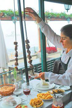 Espetada - traditionelles Hauptgericht auf Madeira, Portugal