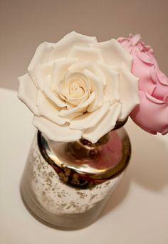 flor em pasta de açúcar...
