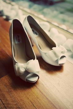 pearl wedding shoes with white ribbon and high heels