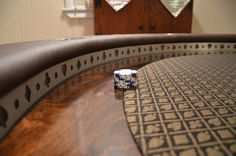 Post with 503600 views. Amazing poker table my buddy built [pics] Poker Table Diy, Poker Table Plans, Diy Table, Custom Poker Tables, Man Cave Items, Poker Night, Cool Tables, Tasting Table, Poker Games