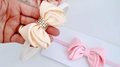 Ribbon Hair Bows, Diy Hair Bows, Diy Ribbon, Ribbon Crafts, Baby Girl Hair, Bow Tutorial, How To Make Ribbon, Diy Bow, Diy Hair Accessories