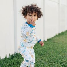 Burt's Bees Baby // The Good Trade // #organic #organicclothing #kidsclothing #organickids #naturalkids #kidsandtoddlers #kidsclothes #toddlerclothes #babyclothes Organic Baby, Organic Cotton, Organic Clothing Brands, Kids Sand, Best Trade, Toddler Outfits, Baby Kids, Stylish, Bees