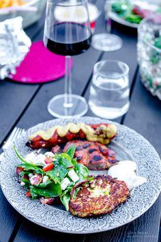 Blomkålsrårakor - 56kilo.se - Inspiration, Livsstil & LCHF Recept Caprese Salad, Cobb Salad, Lchf, Low Carb Keto, Bruschetta, Nom Nom, Vegan Recipes, Good Food, Food And Drink