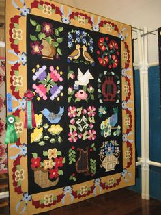 Pretty quilt, love the boarder.  I wonder if this was all paper pieced.   I think this was at the Reedley, CA quilt show