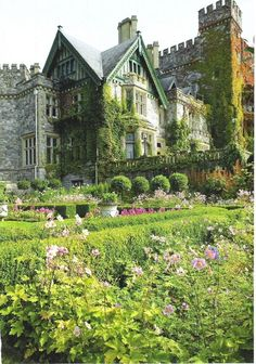 Dunsmuir Castle's Italian Garden, Victoria, British Columbia, Canada - Apparently Looks Like Chirk Castle In Wales.now that's a castle fit for a queen! Beautiful Castles, Beautiful Buildings, Beautiful Places, Places To Travel, Places To See, Hatley Castle, Italian Garden, Nature Aesthetic, Vancouver Island