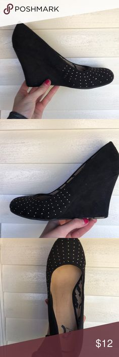 Black wedges Black wedges with gold rhinestones gently worn in great condition! Only signs of wear are on the underneath and the inside of the shoes- otherwise in perfect condition :) Report Shoes Wedges
