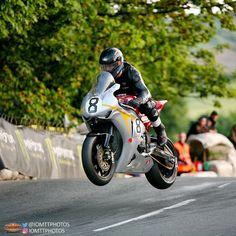 Motorcycle Racers, Racing Motorcycles, Guy Martin, Isle Of Man, Kareena Kapoor, Super Bikes, Road Racing, Cafe Racers, Bike Life